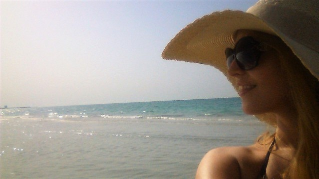 selfie-at-the-saadiyat-beach